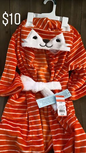Cat & Jack Fox robe 4T/5T for Sale in South El Monte, CA