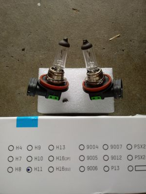 H11 headlight/foglight bulbs for Sale in Salida, CA