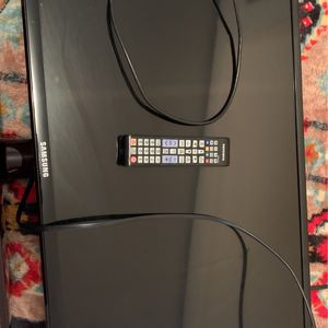 32 Inch Tv With Remot And Hdmi Cored for Sale in Mesa, AZ