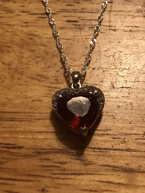 """BRAND NEW HEART SHAPED 24"""" PENDANT NECKLACE"""