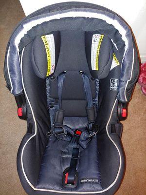 Graco SnugRide Snuglock 35 Elite Infant Car Seat, Spencer for Sale in Los Angeles, CA