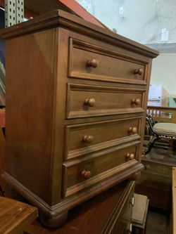 Nice Four Drawer Nightstand - Delivery Available for Sale in Everett,  WA