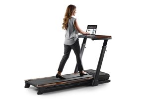 NordicTrack Desk Treadmill for Sale in Las Vegas, NV