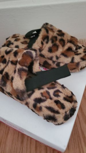 Animal Print Furry Sandals Out Toe for Sale in Norfolk, VA