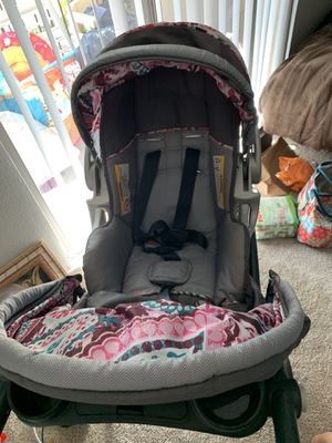 Baby trend infant car seat and stroller for Sale in Austin, TX