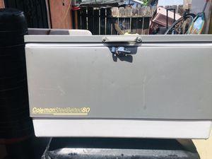 Bonita hielera Coleman perfecta condiciones for Sale in Los Angeles, CA