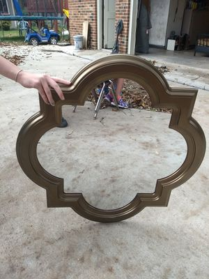 Nice decorative mirror. for Sale in Tullahoma, TN