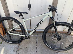 Giant talon 1 29inch 2021 medium mountain bike for Sale in San Francisco, CA