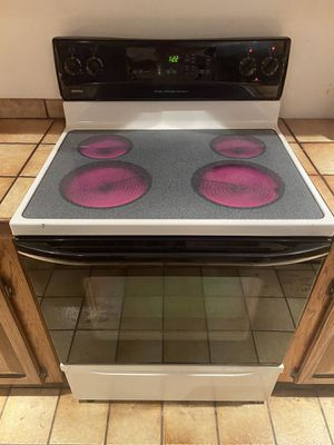 Kenmore electric glass top stove. for Sale in Merritt Island, FL