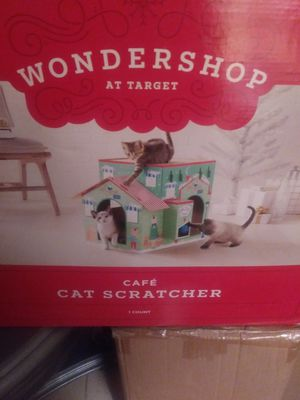 Cat wondershop cat scratcher and cat scratching playhouse for Sale in FL, US