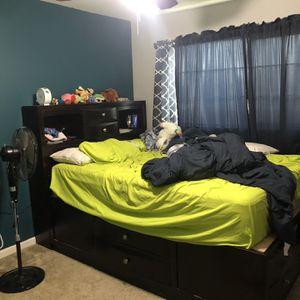 Queen Platform Bed for Sale in Phoenix, AZ