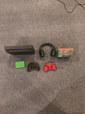 Xbox One X Ultimate Bundle for Sale in Catonsville, MD