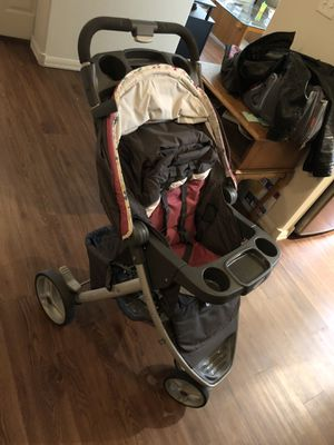 Graco, click and connect jogging stroller for Sale in Gresham, OR