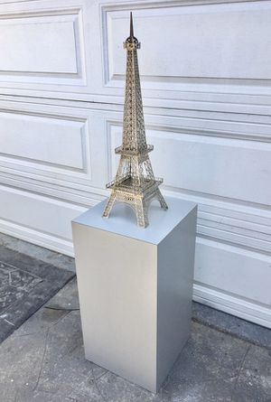 Contemporary rectangular display pedestal. Excludes Eiffel tower for Sale in Long Beach, CA