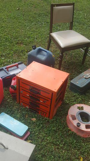 Vintage Dorman metal toolbox 52lbs great shape! for Sale in Bristol, VA