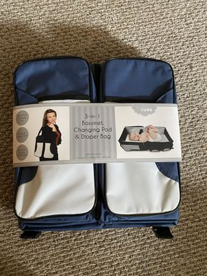 Babe Luxe 3-in-1 Bassinet, changing pad, and diaper bag for Sale in Wolcott, CT