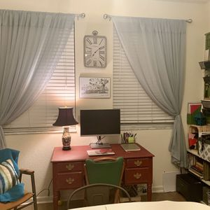 *FREE! MUST GO! Fantastic desk, Well Made. for Sale in Jupiter, FL