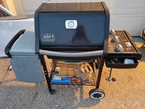 Weber Genesis Silver Grill BBQ for Sale in Garland, TX