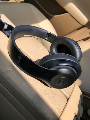 Beats studio 3 wireless for Sale in Lakewood, WA