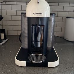 Nespresso-Virtuoline COFFEE MAKER for Sale in Portland,  OR