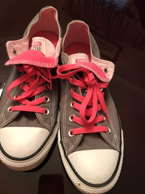 Converse ladies size 9 for Sale in Fort Worth, TX