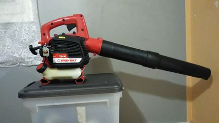 Troy built 2 cycle leaf blower Tb430,200mph 4.30 cfm for Sale in Columbus,  OH