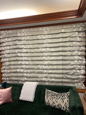 Gorgeous Floral Print Roman Shades for Sale in Brooklyn, NY
