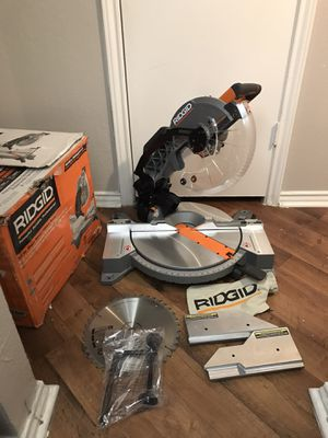 12 dual bevel miter saw for Sale in Grapevine, TX
