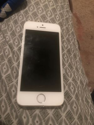 iPhone 5 it had dropped in water but if you get it fix it won't cost that much ! for Sale in Houston, TX
