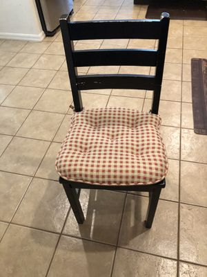 Black chair for Sale in Tarpon Springs, FL