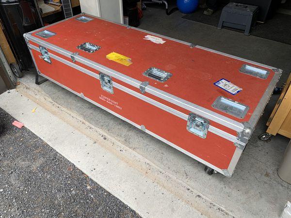 Musical instrument storage box
