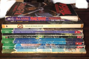 Popular children book bundle for Sale in Reedley, CA