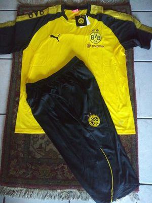Set Jerseys y Short 3/4 Club Dortmund Unisex Size XL for Sale in Phoenix, AZ