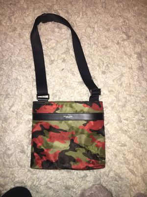 Michael Kors Messenger Bag $80 OBO! for Sale in Norwich, CT