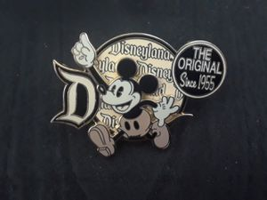 Disney pin for Sale in Fort Worth, TX