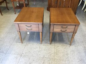 Pair of End / Side Tables for Sale in Fort Washington, MD