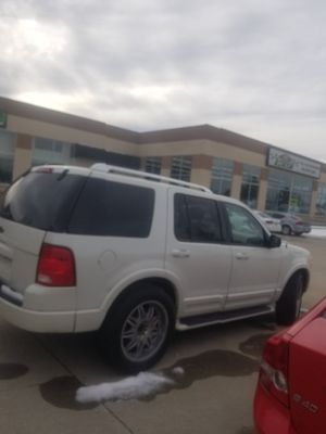 Ford Explorer tercer asiento espaciosa muy buen estado for Sale in Salt Lake City, UT