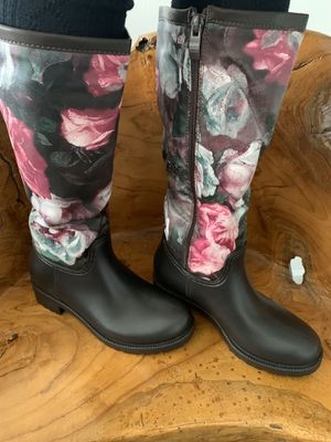 Very classy rain boot - clearance for Sale in Dallas, TX