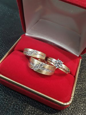 14k solid gold wedding ring set free sizing for Sale in Pomona, CA