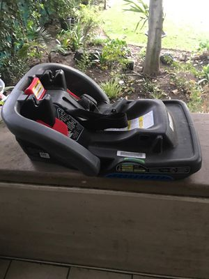 SnugRide® SnugLock™ 35 DLX Infant Car Seat Base for Sale in Pasadena, CA