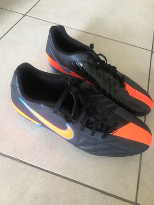 Soccer profesional shoes man for Sale in Miami, FL
