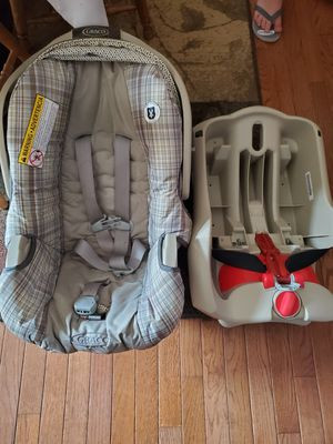 Infant car seat and base for Sale in PA, US