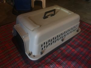 Médium size kennel for Sale in Rancho Cucamonga, CA