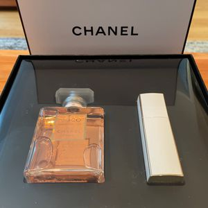 Coco Chanel Mademoisselle Signature Box - 3.4oz Bottle + .7oz Purse Spray , BRAND NEW, UNOPENED, SOLD OUT for Sale in Brooklyn, NY