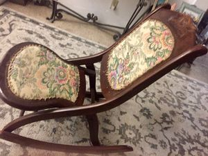 Antique Early 20th Century Rocking Chair for Sale in Las Vegas, NV