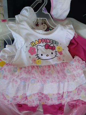 Hello kitty 12mos fress with leggings under it for Sale in Lakeland, FL