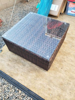Wicker outdoor coffee table for Sale in Madera, CA