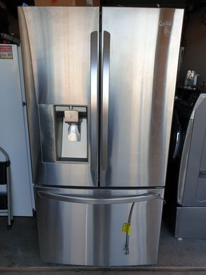LG. French door refrigerator stainless steel for Sale in Las Vegas, NV