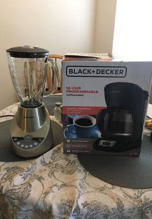 Coffee maker and Blender for Sale in Seattle, WA
