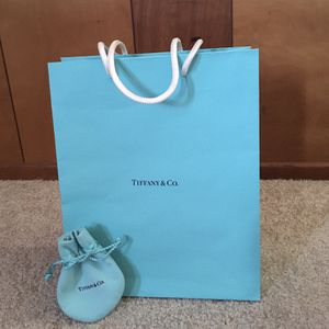 100% AUTHENTIC TIFFANY & CO. SHOPPING BAG & JEWELRY DRAWSTRING DUST BAG for Sale in Tustin, CA